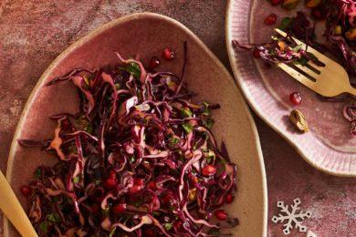 rodekool salade met granaatappel