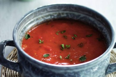 Soep van rode paprika