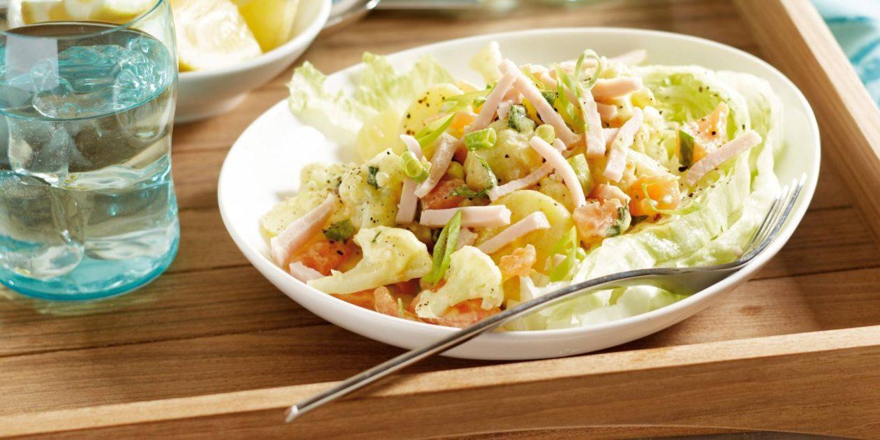 Aardappel-bloemkoolsalade met kip