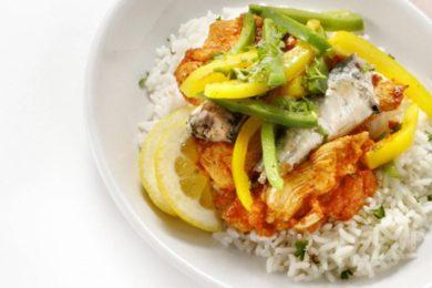 Rijstschotel met kip en vis
