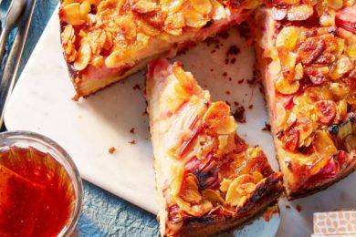 rabarber-hazelnootcake met marmelade