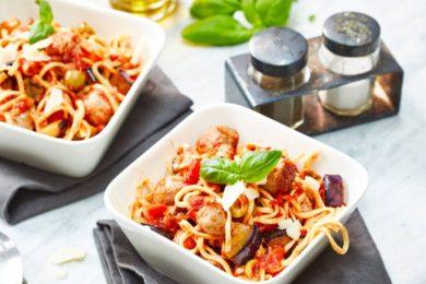 Spaghetti met gehaktballetjes en aubergine
