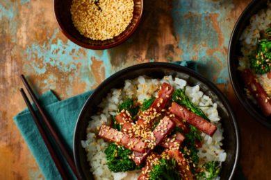 Japanse kleefrijst met zoete ham en bimi